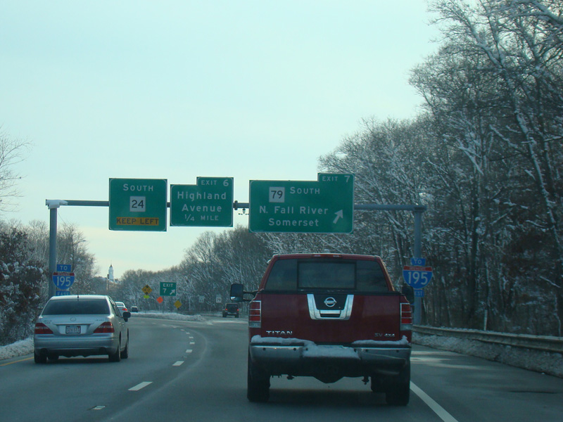 Massachusetts State Route 24 - Fall River Expressway - Photo Gallery